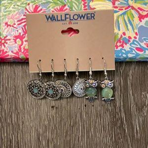 🌀 Wallflower Earrings 🌀 NWT